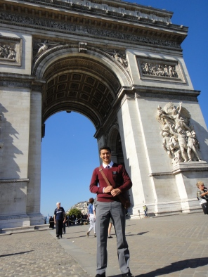 Arc de Triomphe (Where the soldiers returned victorious)