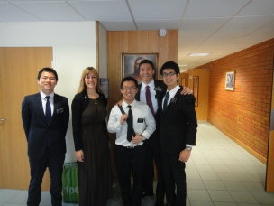Arielle Pettitt and the chinese-speaking missionaries in Paris. Arielle, or Soeur Pettitt served in my parents' ward and it was so great to be able to talk to her and reminisce.